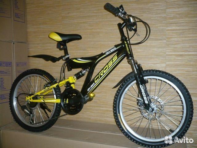 Черно-желтый спортивный новый купить 1