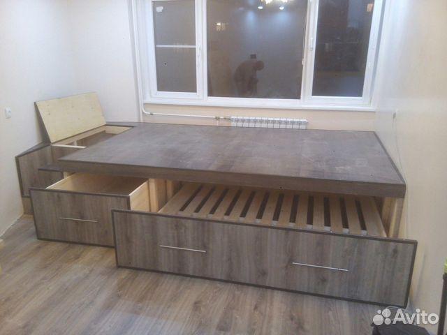 Кровать-подиум: плюсы и минусы их применения в интерьере.