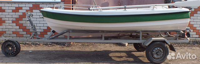 продам пластиковую лодку с мотором